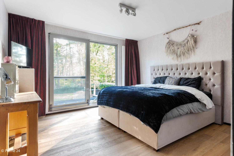 Vernieuwde villa met vijf slaapkamers en prachtige tuin op een perceel van 1.207 m² te Wijnegem! afbeelding 13