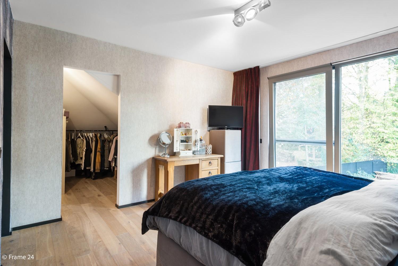 Vernieuwde villa met vijf slaapkamers en prachtige tuin op een perceel van 1.207 m² te Wijnegem! afbeelding 14