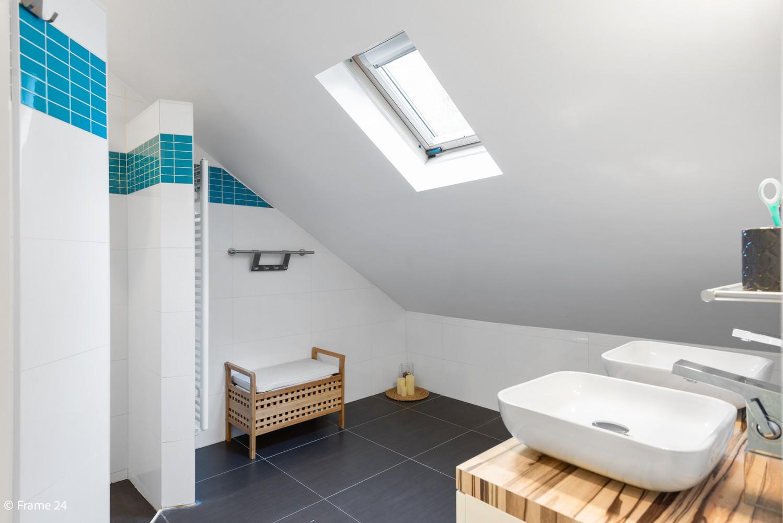 Vernieuwde villa met vijf slaapkamers en prachtige tuin op een perceel van 1.207 m² te Wijnegem! afbeelding 21