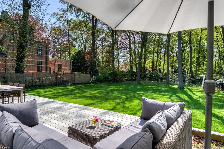 Vernieuwde villa met vijf slaapkamers en prachtige tuin op een perceel van 1.207 m² te Wijnegem! afbeelding 1