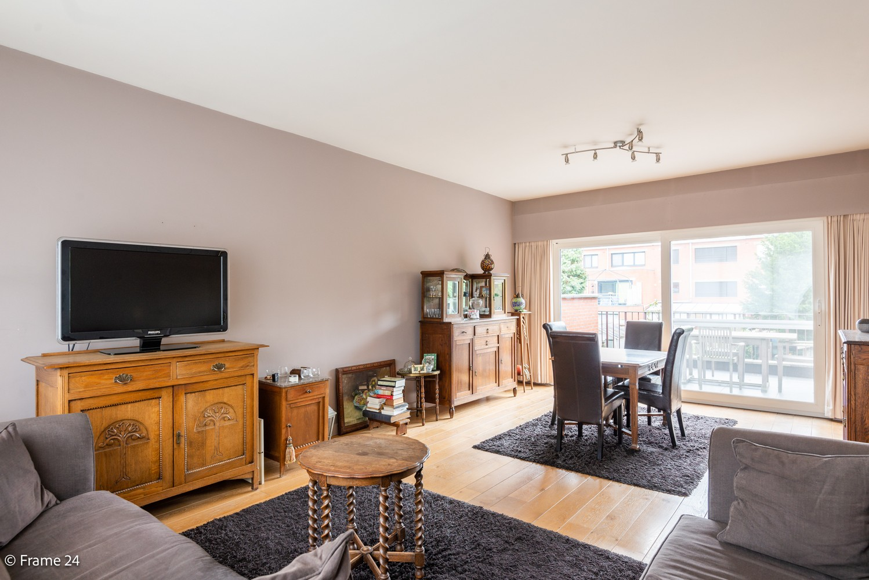 Ruime, op te frissen bel-étage met 3 slaapkamers, tuin én terras in Wommelgem! afbeelding 3