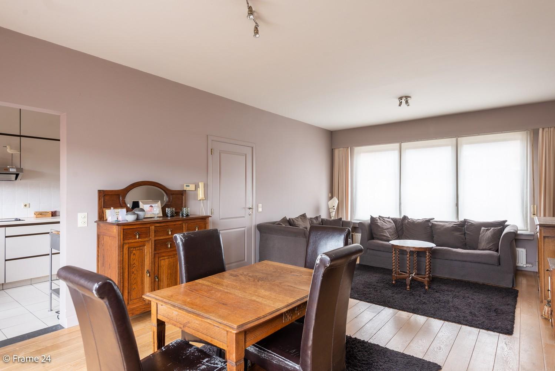 Ruime, op te frissen bel-étage met 3 slaapkamers, tuin én terras in Wommelgem! afbeelding 5