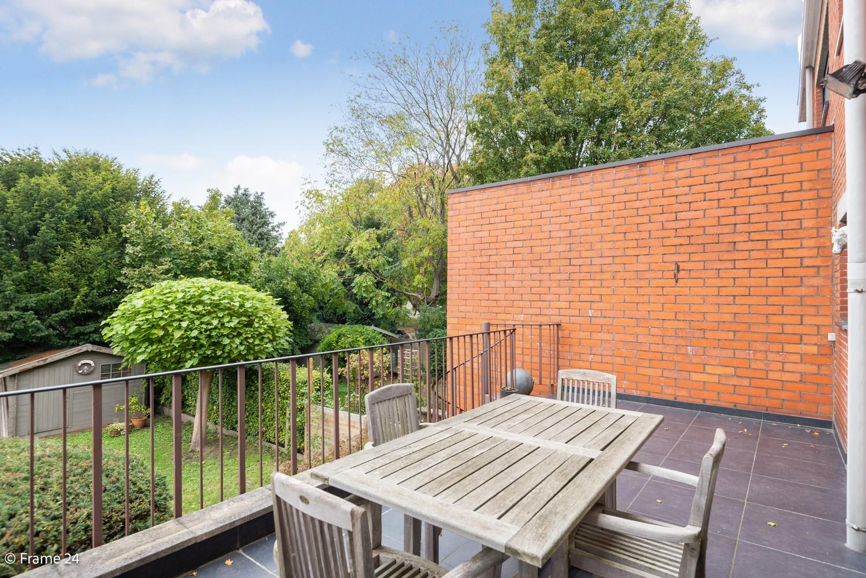 Ruime, op te frissen bel-étage met 3 slaapkamers, tuin én terras in Wommelgem! afbeelding 9