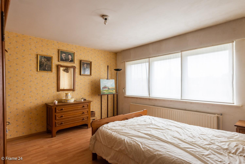 Ruime, op te frissen bel-étage met 3 slaapkamers, tuin én terras in Wommelgem! afbeelding 12