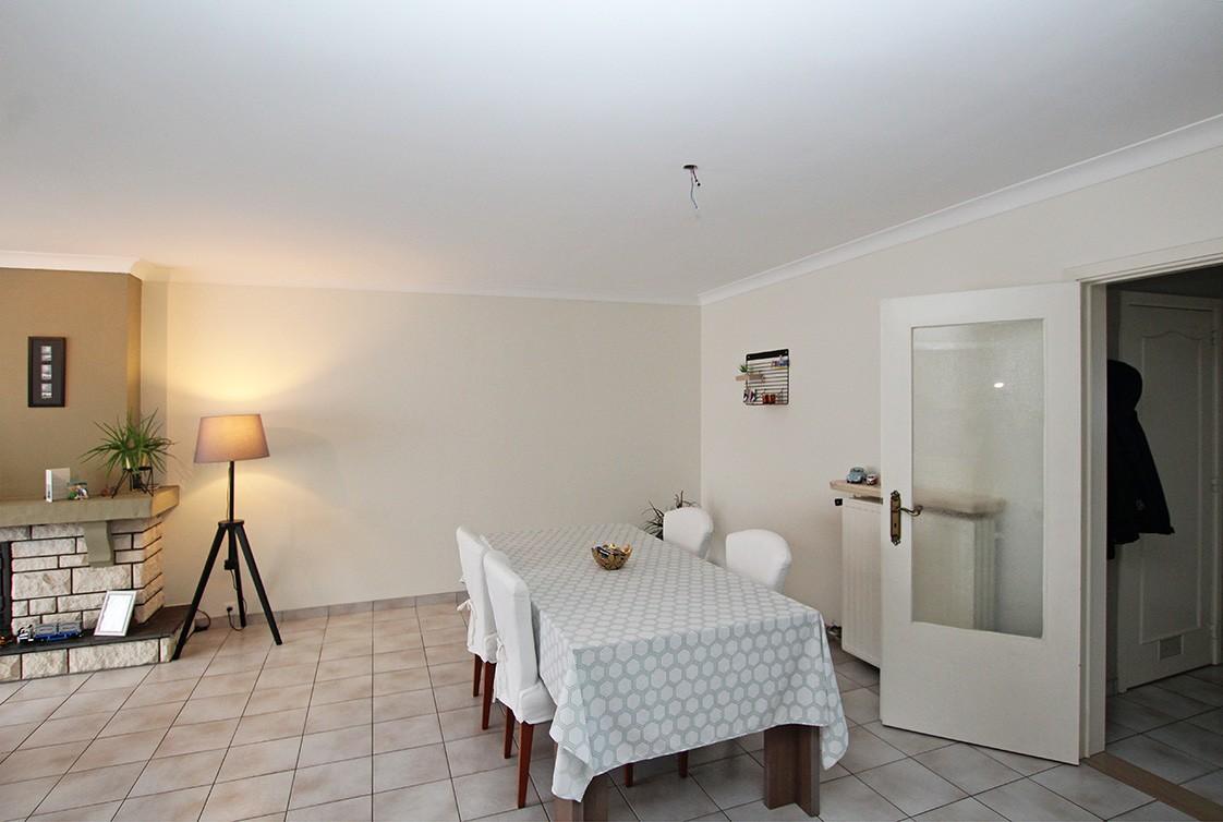 Verzorgd appartement met twee slaapkamers en garage op de grens van Deurne-Zuid en Borsbeek! afbeelding 3
