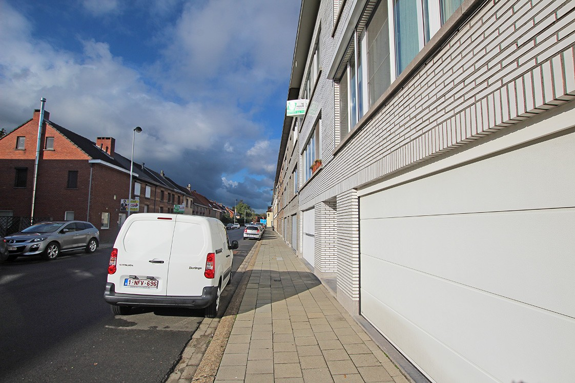 Verzorgd appartement met twee slaapkamers en garage op de grens van Deurne-Zuid en Borsbeek! afbeelding 11