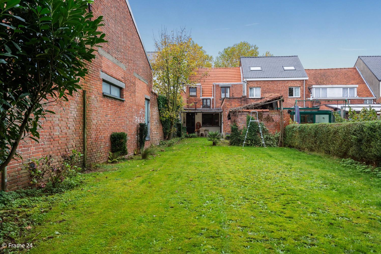 Op te frissen woning met veel potentieel, 3 slaapkamers en grote tuin in Ekeren! afbeelding 21