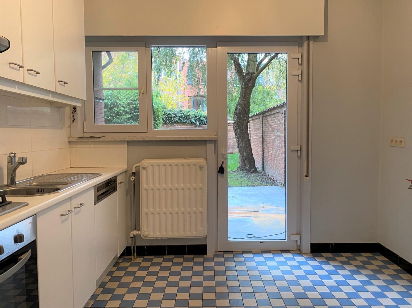 Gerenoveerd, gelijkvloers appartement met 2 slaapkamers en ruime tuin (94m²) in Antwerpen! afbeelding 6