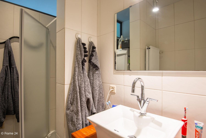 Zeer ruim en instapklaar gelijkvloers appartement met tuin en garage te Wijnegem! afbeelding 13
