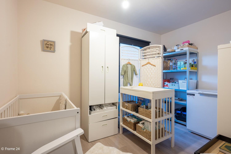 Mooi en instapklaar appartement met terras en garage te Wijnegem! afbeelding 13