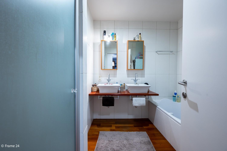 Mooi en instapklaar appartement met terras en garage te Wijnegem! afbeelding 14