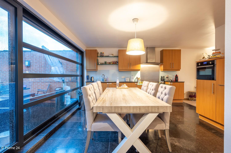Mooi en instapklaar appartement met terras en garage te Wijnegem! afbeelding 8
