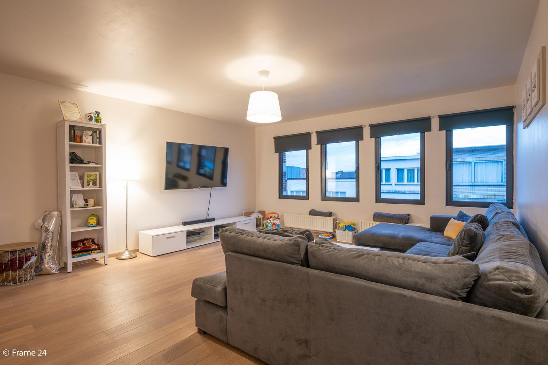 Mooi en instapklaar appartement met terras en garage te Wijnegem! afbeelding 5