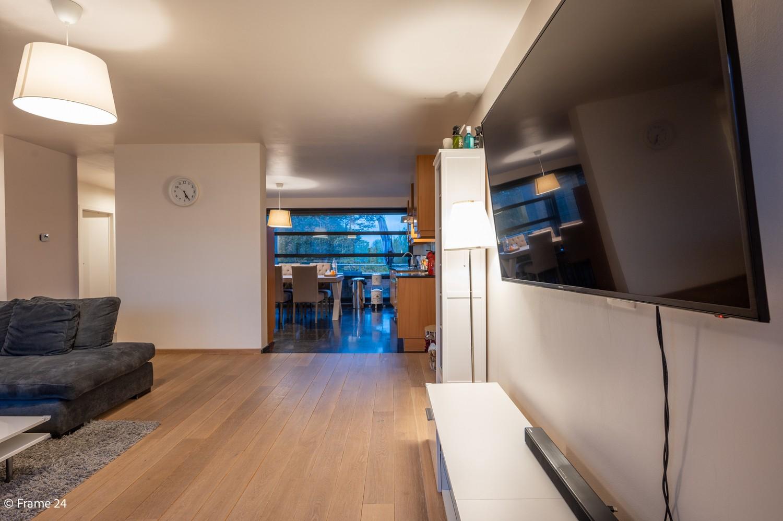 Mooi en instapklaar appartement met terras en garage te Wijnegem! afbeelding 4