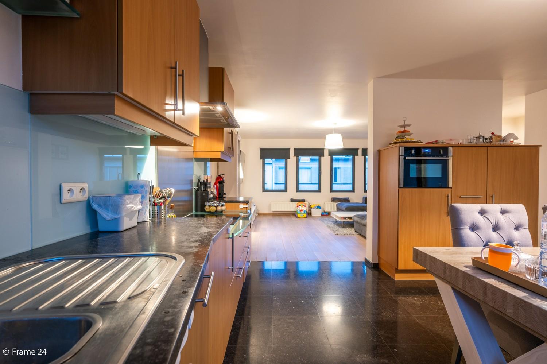 Mooi en instapklaar appartement met terras en garage te Wijnegem! afbeelding 10