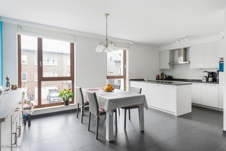 Recent appartement op de eerste verdieping met drie slaapkamers gelegen in residentie Ter Linden te Schilde! afbeelding 3
