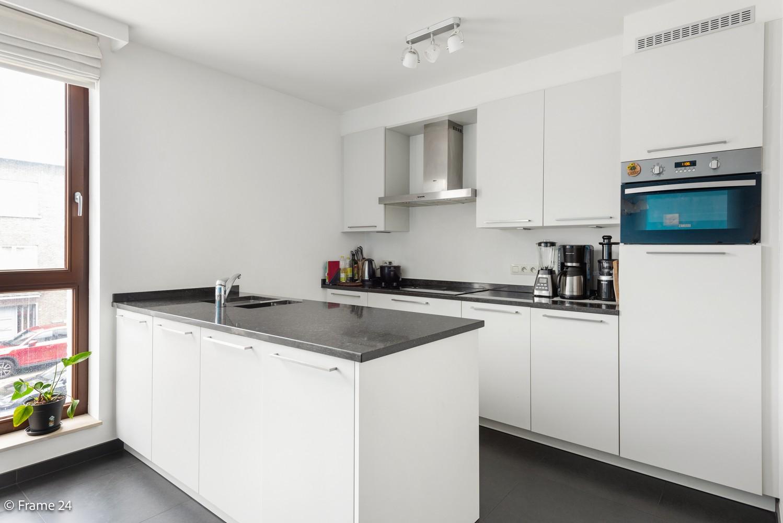 Recent appartement op de eerste verdieping met drie slaapkamers gelegen in residentie Ter Linden te Schilde! afbeelding 4