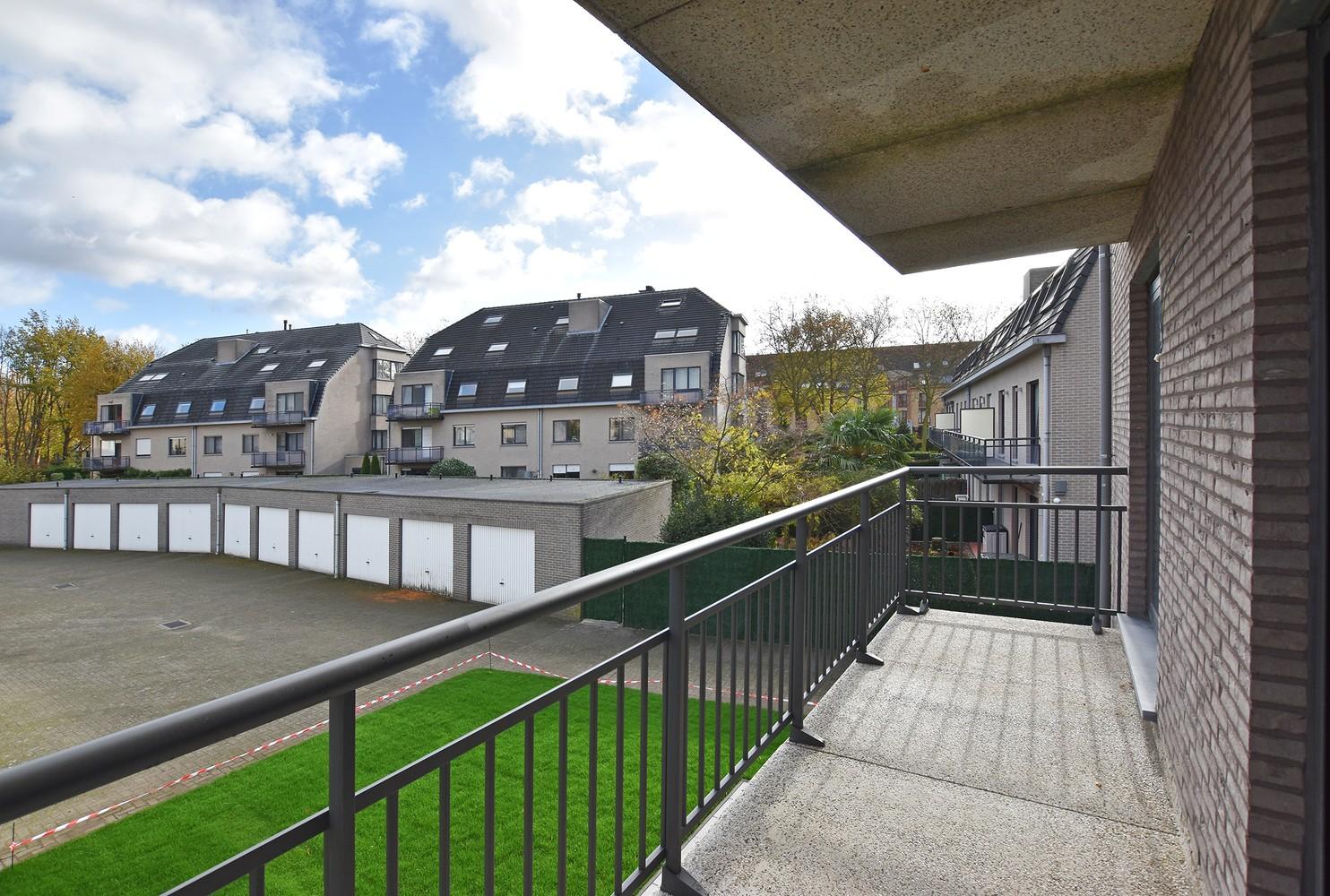 Gloednieuw appartement met drie slaapkamers, terras en autostaanplaats te Brasschaat! afbeelding 2