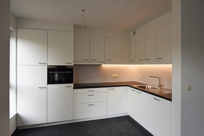 Gloednieuw appartement met drie slaapkamers, terras en autostaanplaats te Brasschaat! afbeelding 6