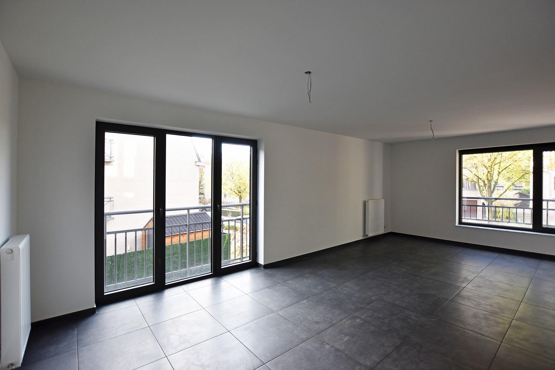 Gloednieuw appartement met drie slaapkamers, terras en autostaanplaats te Brasschaat! afbeelding 5
