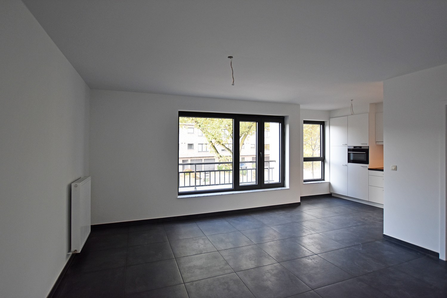Gloednieuw appartement met drie slaapkamers, terras en autostaanplaats te Brasschaat! afbeelding 3