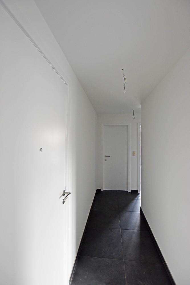 Gloednieuw appartement met drie slaapkamers, terras en autostaanplaats te Brasschaat! afbeelding 7