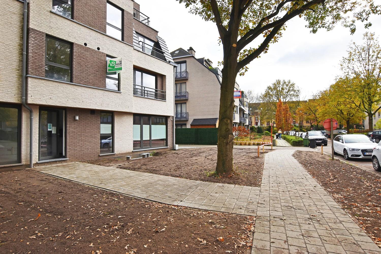 Gloednieuw appartement met drie slaapkamers, terras en autostaanplaats te Brasschaat! afbeelding 1