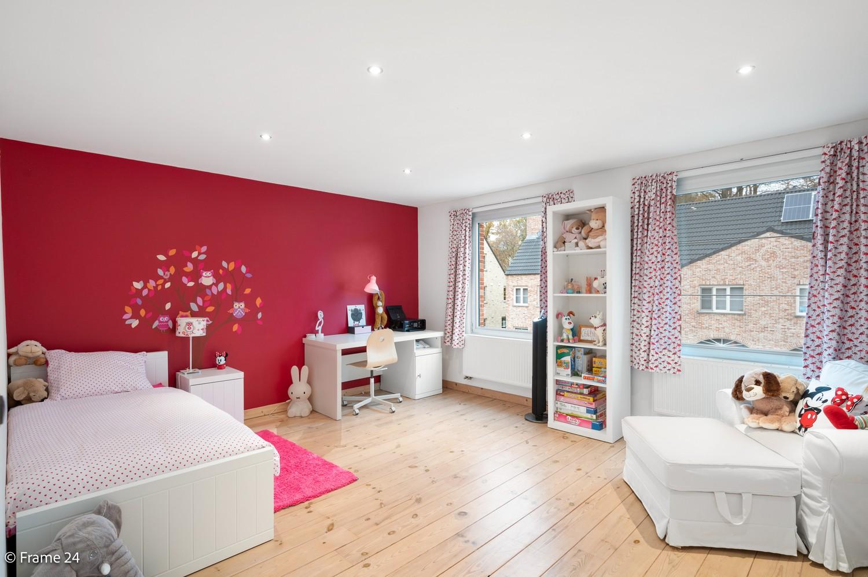 Prachtige en ruime halfopen woning met drie slaapkamers en mooie tuin te Brasschaat! afbeelding 17