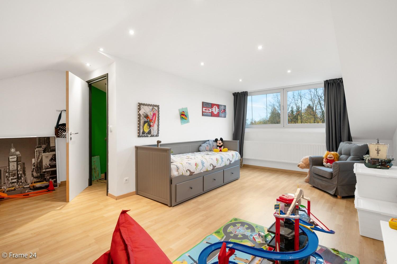 Prachtige en ruime halfopen woning met drie slaapkamers en mooie tuin te Brasschaat! afbeelding 19