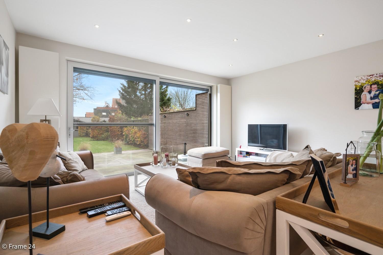 Prachtige en ruime halfopen woning met drie slaapkamers en mooie tuin te Brasschaat! afbeelding 6