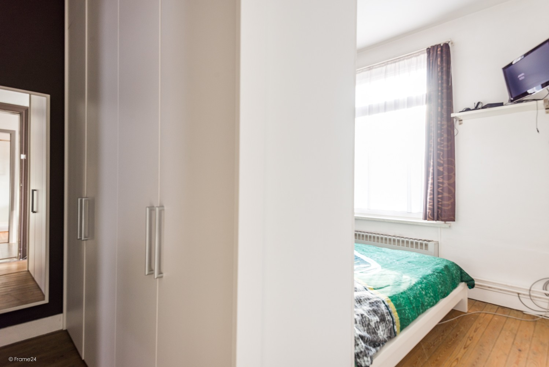 Ruim triplex-appartement met 6 à 7 slpks in centrum Schoten! afbeelding 13