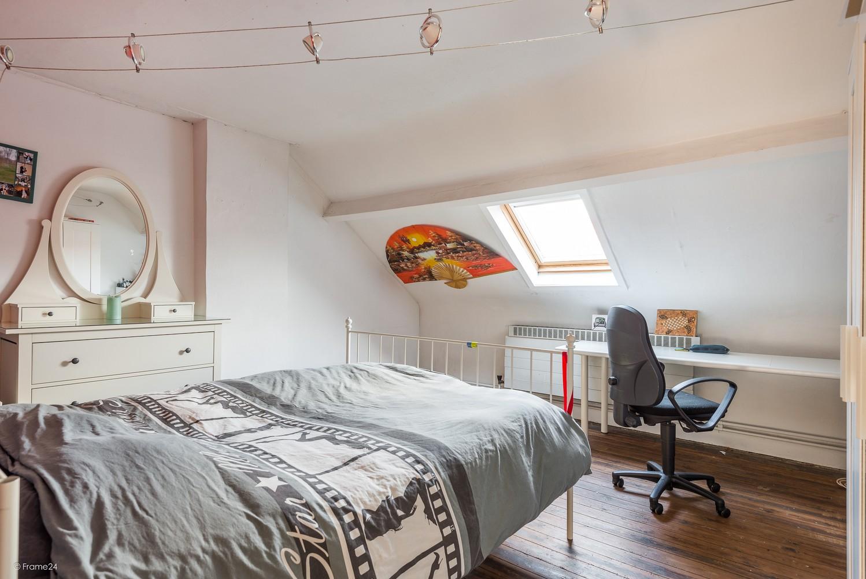 Ruim triplex-appartement met 6 à 7 slpks in centrum Schoten! afbeelding 15