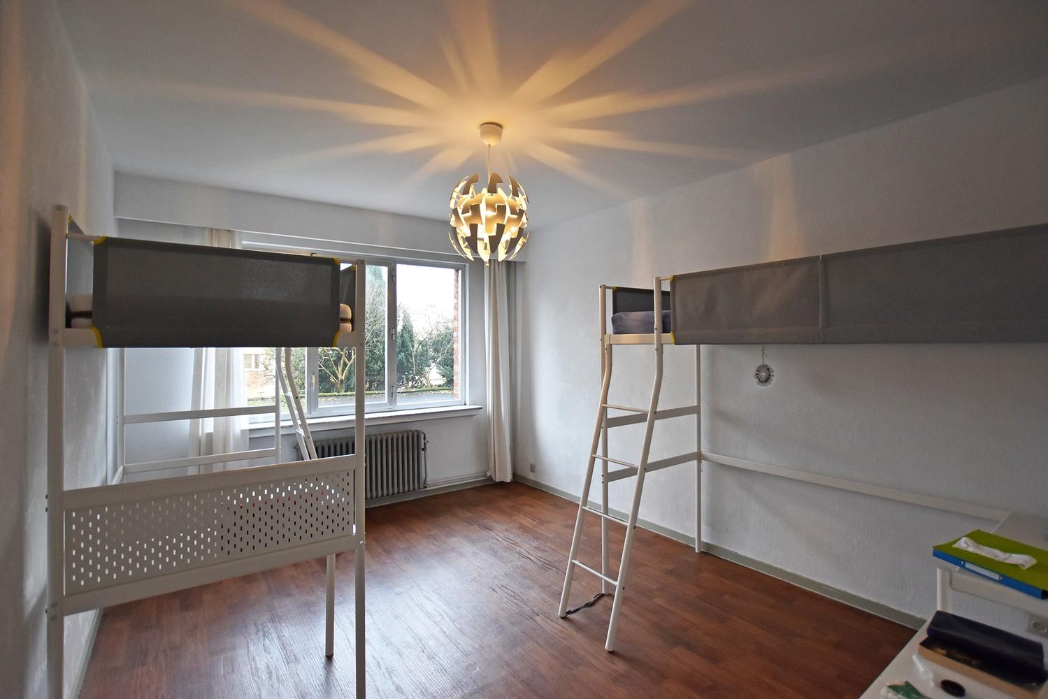 Ruim appartement (+/- 110 m²) met twee slaapkamers en lift te Borgerhout! afbeelding 6