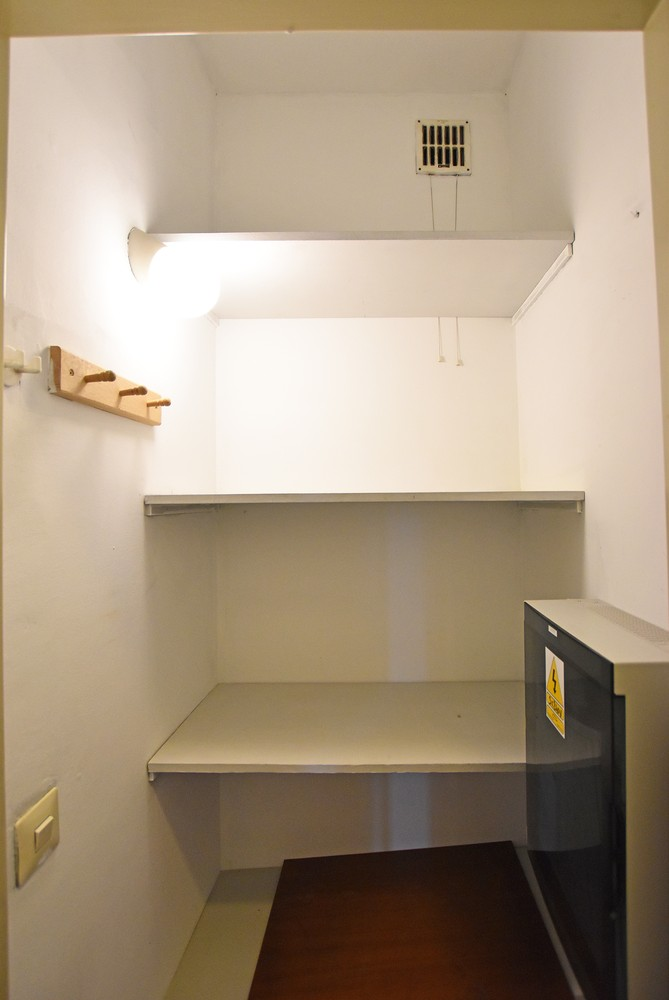 Ruim appartement (+/- 110 m²) met twee slaapkamers en lift te Borgerhout! afbeelding 9