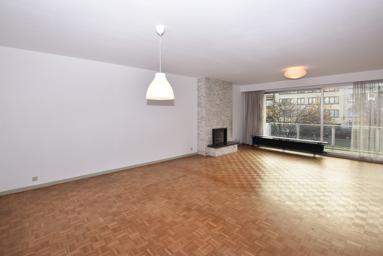 Ruim appartement (+/- 110 m²) met twee slaapkamers en lift te Borgerhout! afbeelding 1