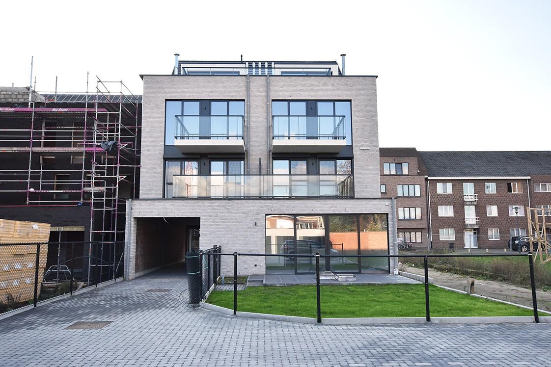 Prachtig penthouse met 2 slaapkamers en 2 terrassen op toplocatie in het centrum van Wommelgem afbeelding 3
