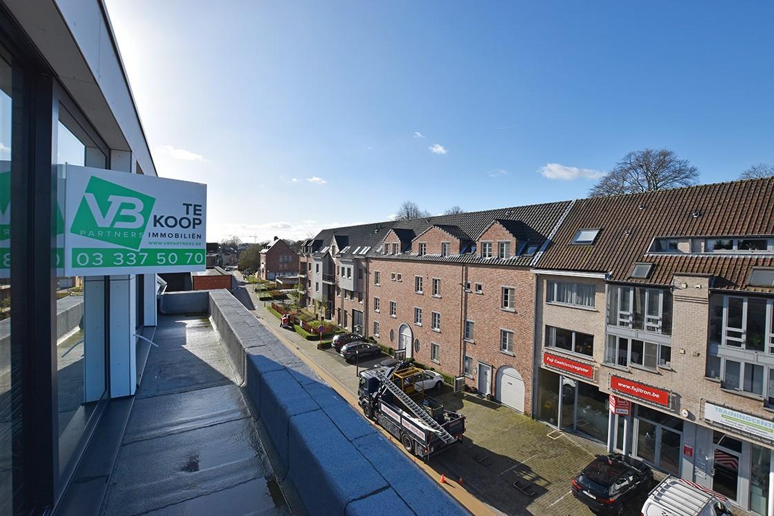 Prachtig penthouse met 2 slaapkamers en 2 terrassen op toplocatie in het centrum van Wommelgem afbeelding 22