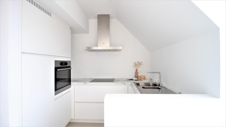 Prachtig penthouse met 2 slaapkamers en 2 terrassen op toplocatie in het centrum van Wommelgem afbeelding 8