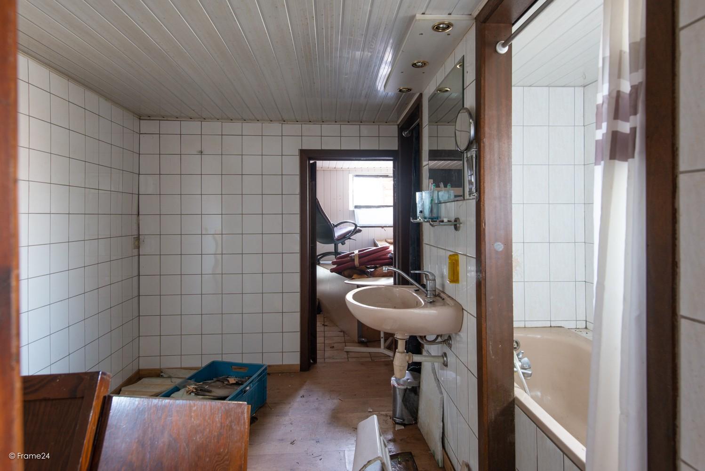 Te renoveren woning op gigantisch perceel (2300m²) te Herentals afbeelding 5