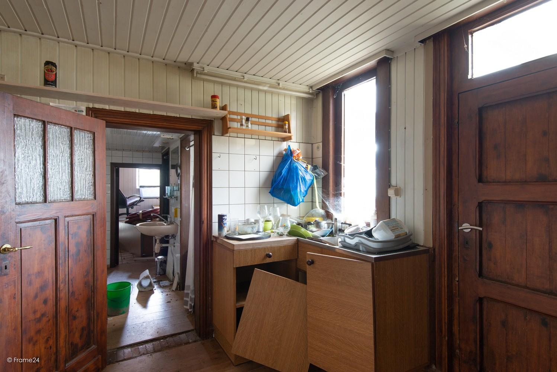 Te renoveren woning op gigantisch perceel (2300m²) te Herentals afbeelding 6