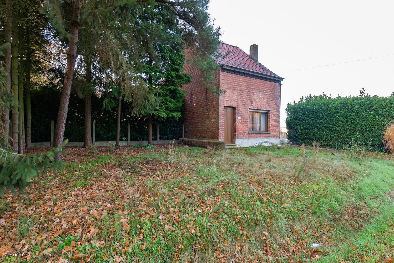 Te renoveren woning op gigantisch perceel (2300m²) te Herentals afbeelding 26