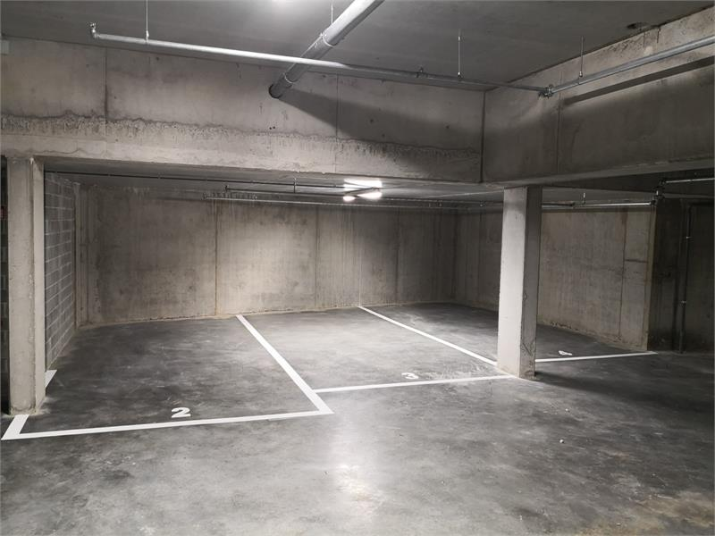 Verschillende ondergrondse staanplaats te huur in Residentie Campus te Antwerpen! afbeelding 3