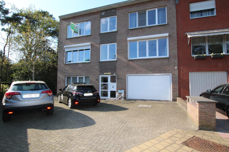 Ruim 2-slaapkamer appartement (108m²) met terras op rustige locatie te Stabroek! afbeelding 1