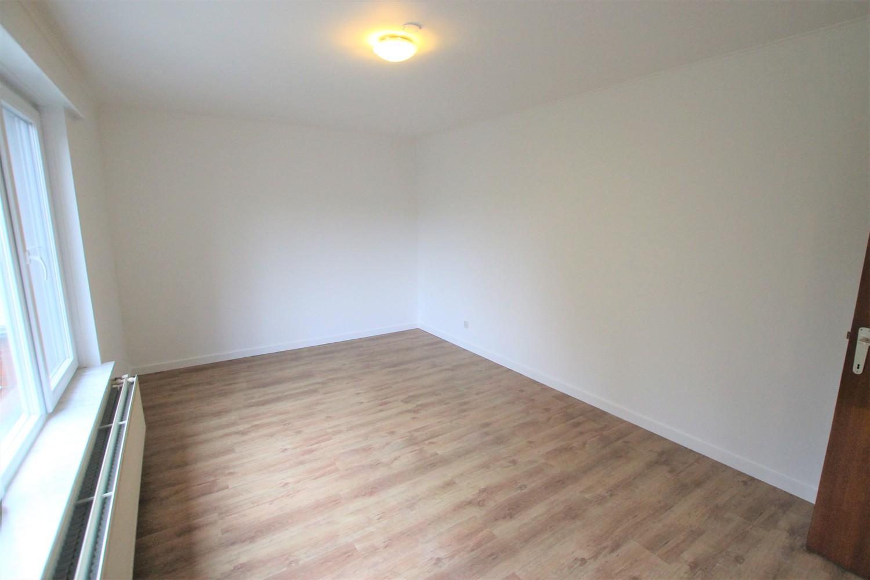 Ruim 2-slaapkamer appartement (108m²) met terras op rustige locatie te Stabroek! afbeelding 4