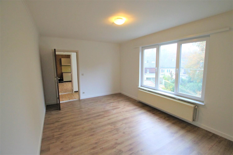 Ruim 2-slaapkamer appartement (108m²) met terras op rustige locatie te Stabroek! afbeelding 5