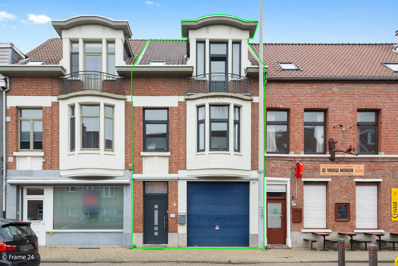 Charmante bel-étage woning met inpandige garage, tuin én opslagplaats te Wijnegem! afbeelding 1