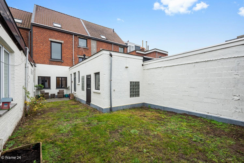 Charmante bel-étage woning met inpandige garage, tuin én opslagplaats te Wijnegem! afbeelding 18