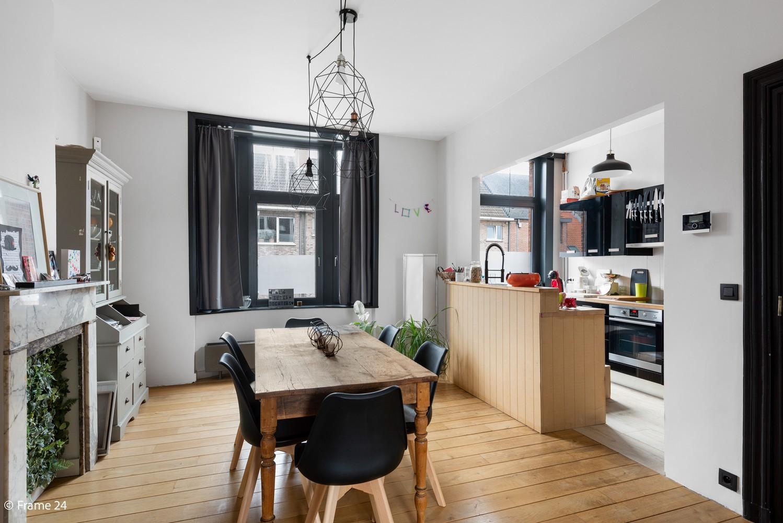 Charmante bel-étage woning met inpandige garage, tuin én opslagplaats te Wijnegem! afbeelding 4