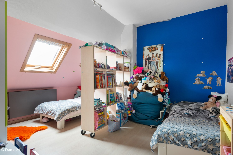 Charmante bel-étage woning met inpandige garage, tuin én opslagplaats te Wijnegem! afbeelding 12