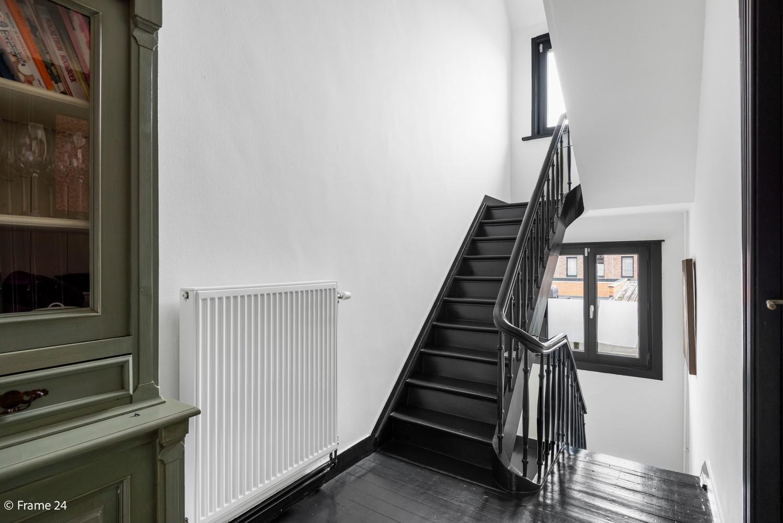Charmante bel-étage woning met inpandige garage, tuin én opslagplaats te Wijnegem! afbeelding 9